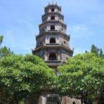 Đề bài: Em hãy tả bức tranh vẽ chùa Thiên Mụ