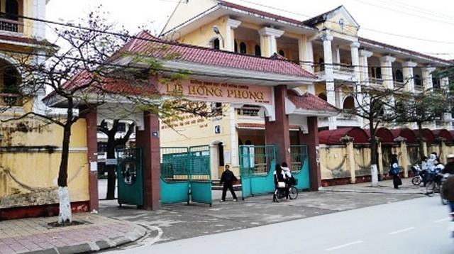 Đề thi vào 10 môn tiếng Anh (chung) chuyên Lê Hồng Phong Nam Định 2015